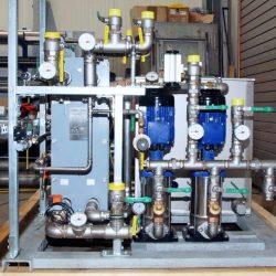 Pumpstation für eine Induktivhärteanlage mit 2 Kreisläufen für die Kühlung der Leistungselektrik; redundante Pumpenausstattung